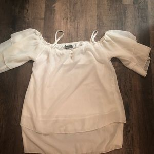 Tops - White off shoulders top